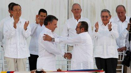 Vier Jahre seit der Unterzeichnung des kolumbianischen Friedensabkommens: Verschlechterung der humanitären Situation und Stagnierung des Umsetzungsprozesses